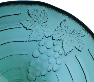 Above Counter Glass Vessel Basin - Emerald Grapes Details