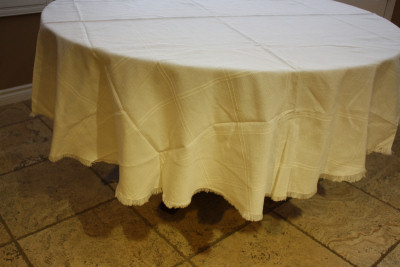 Round Mexican White Tablecloth 6 Napkins Close-Up