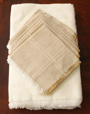 White Mexican Tablecloth 6 Napkins