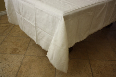 White Mexican Tablecloth 6 Napkins Close-Up